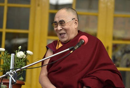 达赖喇嘛尊者在达兰萨拉接见数百名来自世界各国的佛教徒